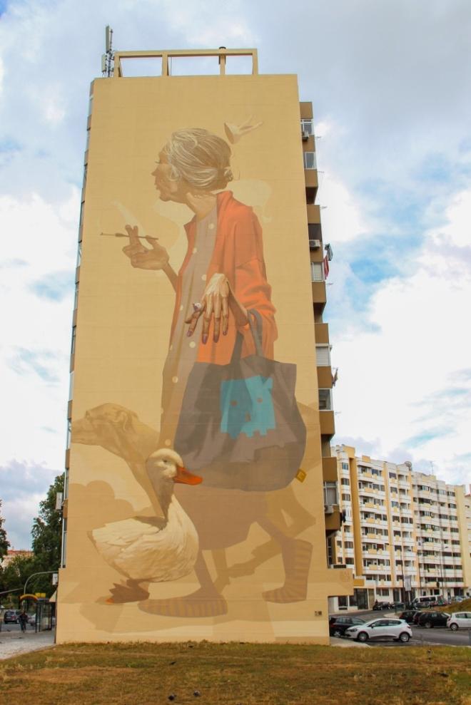 sainer-urban-art-lisbon-Senhora das Olaias